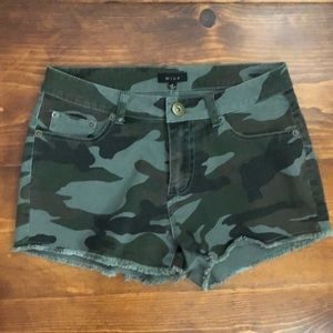 Camouflage Jean-Shorts